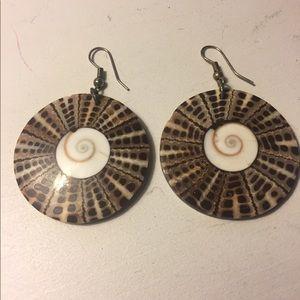 Jewelry - Hawaiian shell earrings